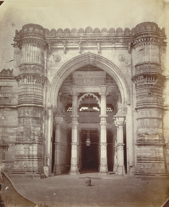 Central portion of the façade of the Jami Masjid, Ahmadabad, showing entrance and flanking minarets 1798
